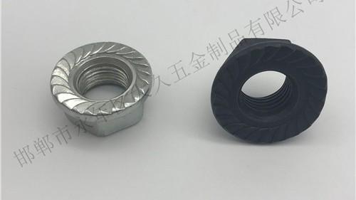 法兰螺栓和法兰螺母平面为什么要加一个角度?